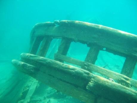 tugs-rail